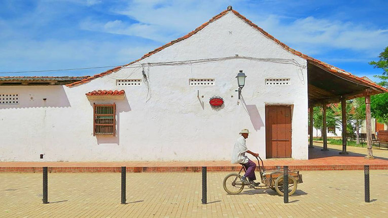 Man on a bicycle in Mompos