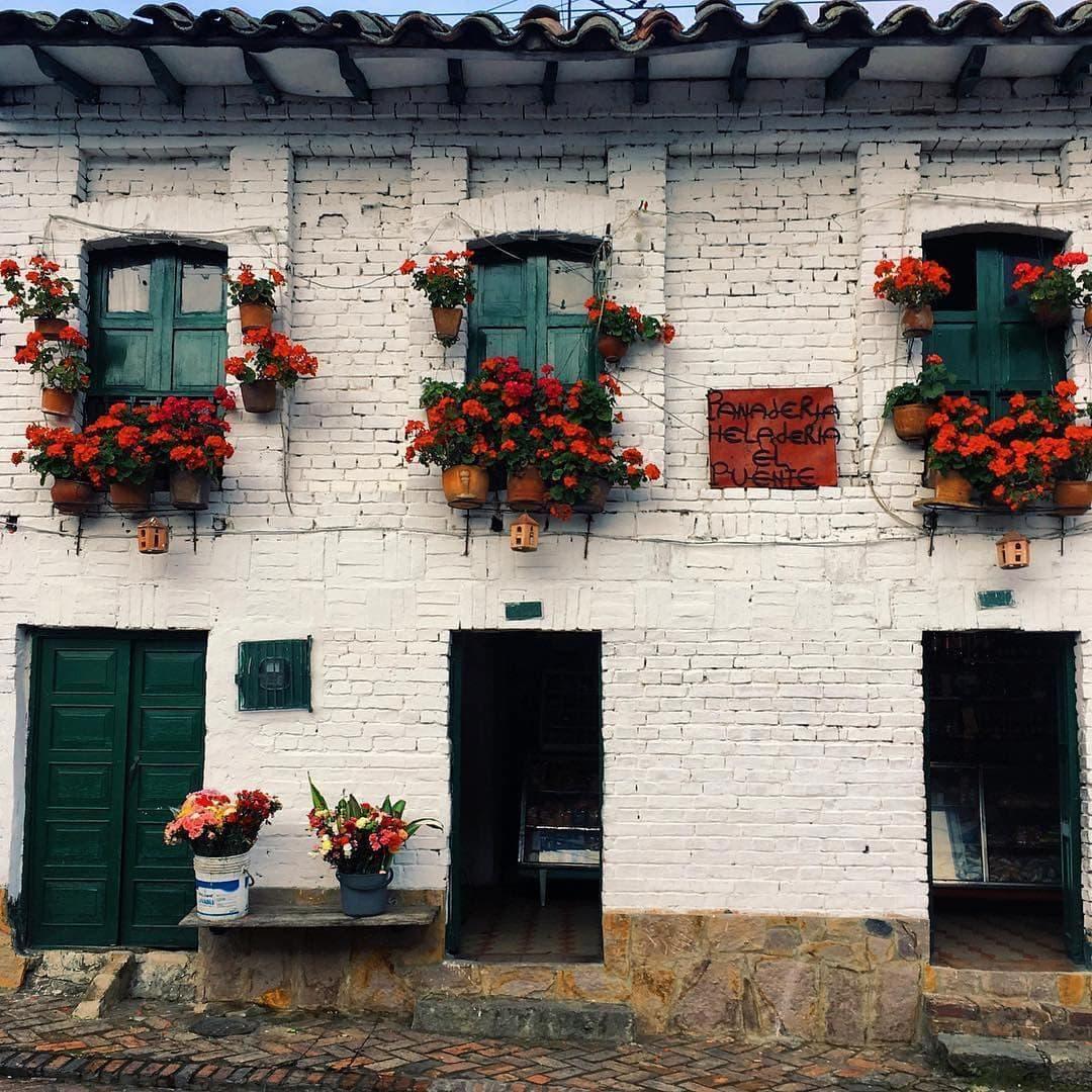 Ancient facade of Monguí