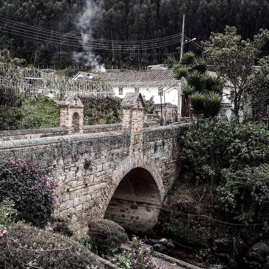 Calicanto bridge Monguí