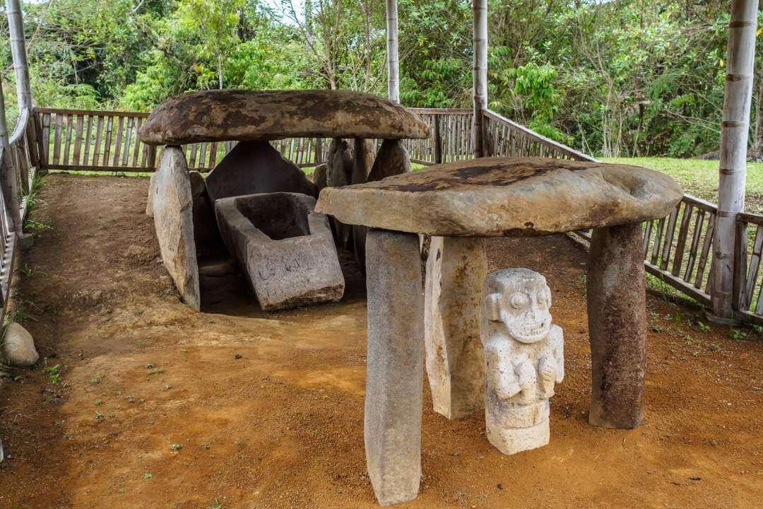 Tumbas del Parque Arqueológico San Agustín