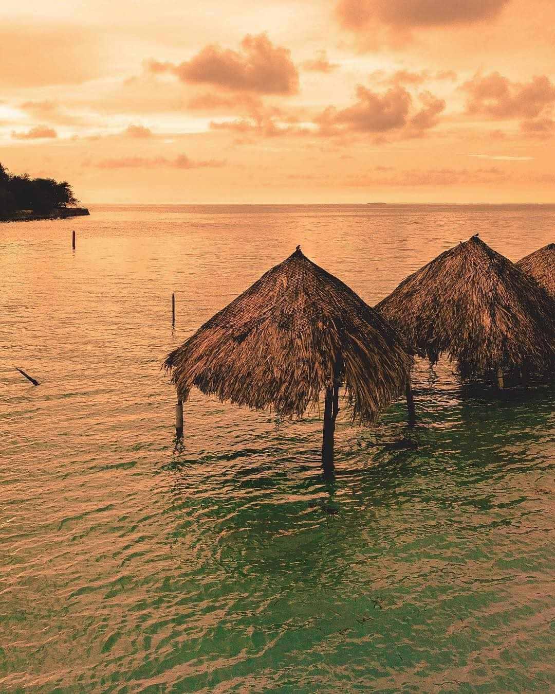 Playas en Islas del Rosario Parque nacional Natural Corales del Rosario