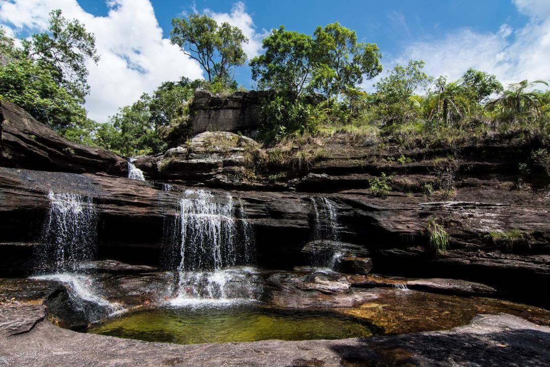 Cascada Natural en el Parque Nacional Natural Sierra de la Macarena