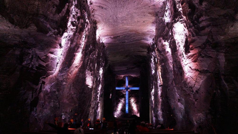 Turismo religioso cerca a la capital de Colombia