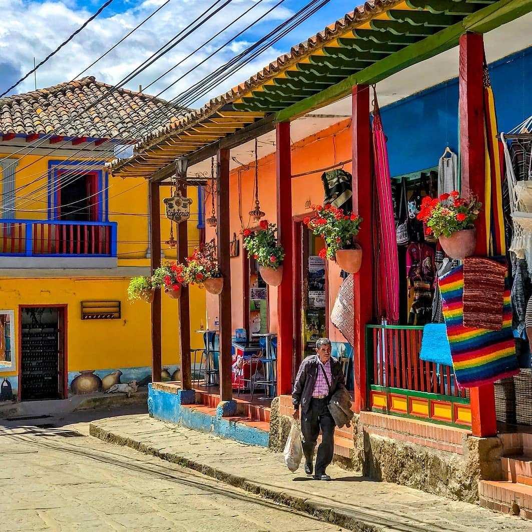 Viajar a Ráquira Boyacá desde Bogotá