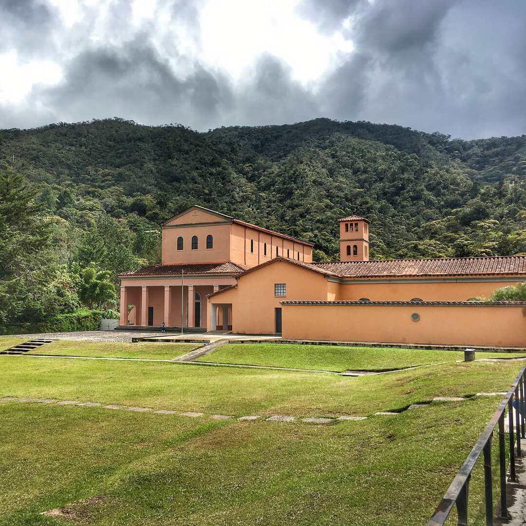 Caminata al Monasterio de los Benedictinos