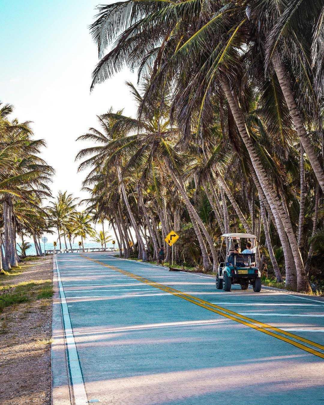 Carrito de golf en la isla de Colombia